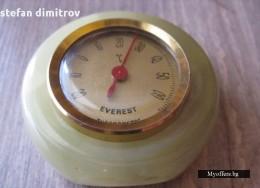 Стар античен термометър EVEREST