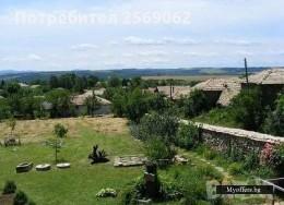 Продава се двуетажна къща в село Берковски