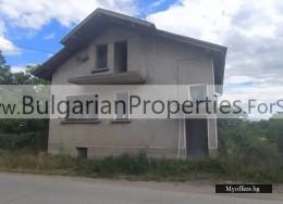 Продава св къща в село Посабина