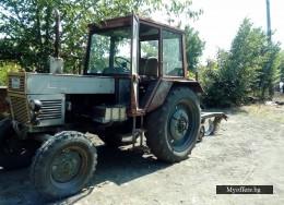 Продавам трактор с регистрация в комплект с инвентара